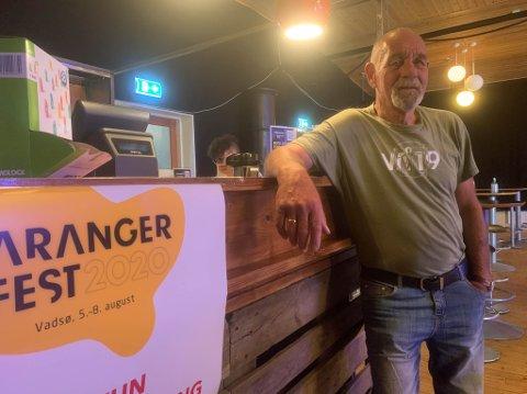 SELFMADE: Fritjof Methi (67) ved baren han selv har vært med å bygge opp til Varangerfest.