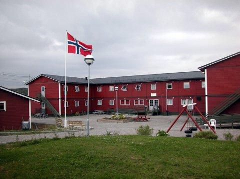 FORRIGE MOTTAK: Sånn så det ut på Sandnes da Sør-Varanger kommune driftet Solenga mottak fra 1993 til 2006. Nå ønsker de igjen å delta i anbudskonkurransen om å være driftsoperatør for et nytt mottak.
