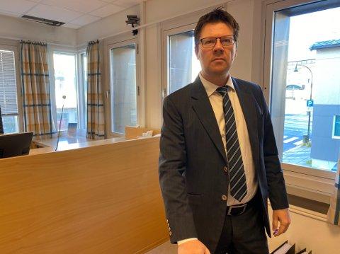 FORSVARER DEN TILTALTE: Bjørn André Gulstad er forsvarer for den tilltalte islendingen. Hans klient sier han ikke mente å ta livet av broren, og erkjenner kun straffskyld for uaktsomt drap.