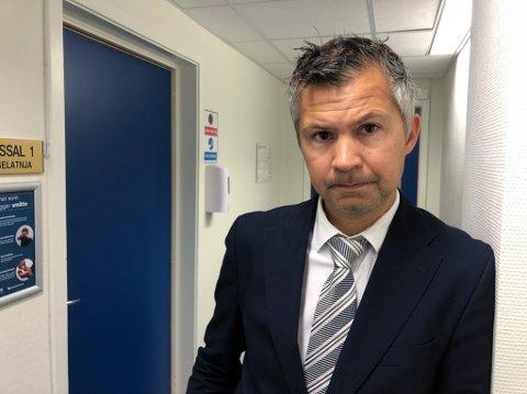 FORSVARER: Advokat Benny Solheim sier hans klient har gruet seg til rettssaken skulle begynne. Foto: Trond Ivar Lunga