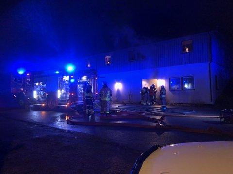 FIKK KONTROLL: Brannvesenet fikk slukket brannen.