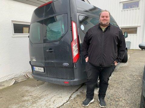 Daglig leder ved Nordkapp Taxi, Daniel Backholm Andersen beklager at handikaptaxien er tatt ut av drift.