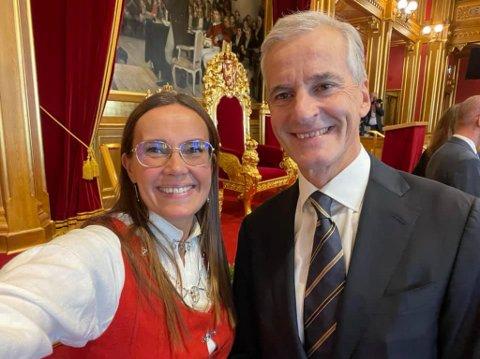 FORNØYD: Marianne Sivertsen Næss er fornøyd med komme i Energi- og miljøkomiteen. Her med statsminister Jonas Gahr Støre.