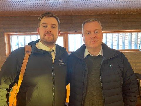 FULGTE SAKEN: Havnesjef Morten Albertsen (til venstre) har fulgt hele rettssaken. Ordfører Ronald Wærnes fikk med seg siste dag i retten. - Vi har måttet bruke mye penger uten å få en meter med ny kai, sier han til iFinnmark.