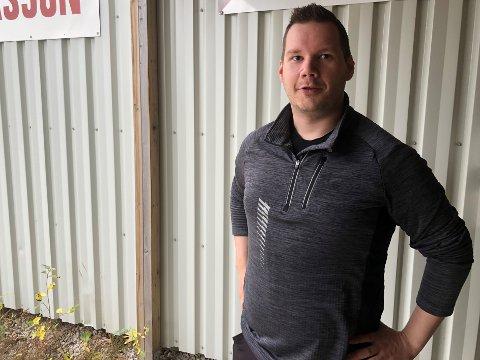 FIKK NY JOBB: Ørjan Nicolaisen (31) ser frem til å bli brøytesjåfør for Porsanger kommune kommende vinter.