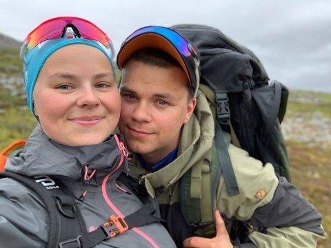 BLIR FORELDRE: Vebjørn Krogh Pedersen og Sara Marja Utsi i Kjøllefjord blir foreldre til en ny verdensborger neste måned.  - Vi gleder oss, sier paret.