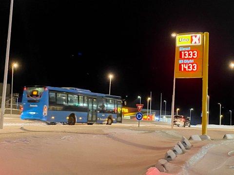 BILLIGST: Uno X-stasjonen på Storsvingen i Hammerfest hadde fredag det billigste drivstoffet i Finnmark.