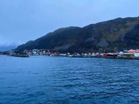 FREMGANG: Ytterst i havgapet, helt vest i Finnmark ligger Loppa med sine drøyt 800 innbyggere. De er allikevel den kommunen med best fremgang i Finnmark.