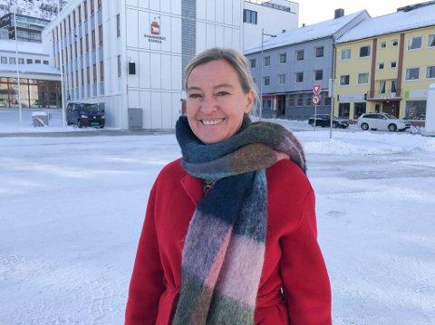 ÅPNER SNART: Personalleder Reidun Elliott i Sport Outlet er klar for åpne butikk i Storsvingen. Foto: Trond Ivar Lunga