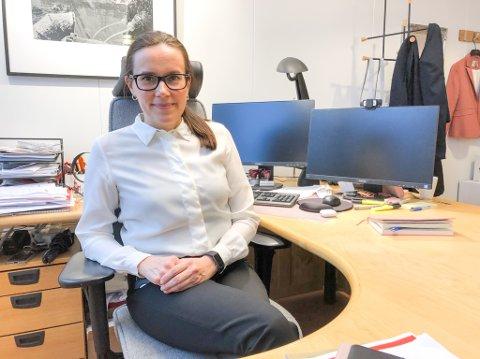 UTÅLMODIG: Ordfører Marianne Sivertsen Næss og resten av ordførerne i Vest-Finnmark-rådet ønsker høyere tempo i vaksineleveringen. Foto: Trond Ivar Lunga
