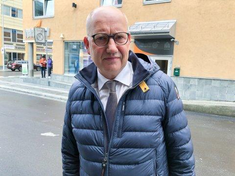 FORSVARER: Advokat Finn Ove Smith forsvarer en av de tiltalte i den såkalte øl-saken i Hammerfest. Foto: Trond Ivar Lunga