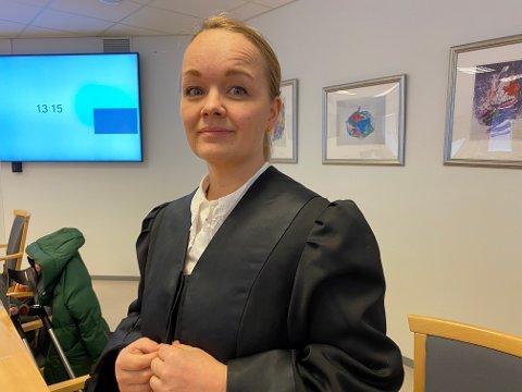 PROSEDERTE PÅ DRAPSFORSØK: Statsadvokat Kirsti Jullum Jensen mener 42-åringen bør fengsles i fem og et halvt år for drapsforsøk på egen morfar.
