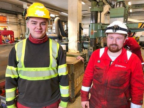 FORNØYD: Fagarbeider Christoffer Kinn (til venstre) og formann Ruben Lauritsen er fornøyd med kontrakten med Vår Energi. Foto: Trond Ivar Lunga