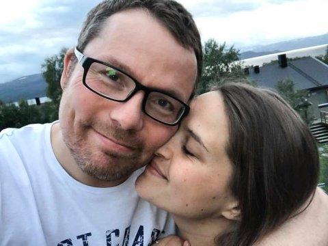 BLOGGVINNERE: Asbjørn Kokkejævel Sandøy og kona Christine Emilie Heitmann Pedersen er i dag Norges to mest leste bloggere.