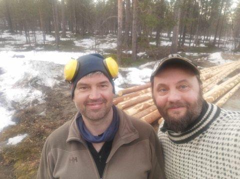 FORNØYD: Ben Arne Sotkajærvi og Svein Vegar Lyder fornøyd med arbeidet sist tirsdag.