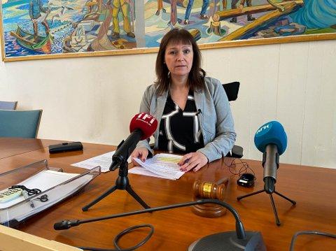 TAR GREP: Alta-ordfører Monica Nielsen og resten av formannskapet var samstemt da de vedtok å innføre en midlertidig koronaforskrift i pinsehelgen.