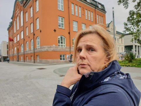 KONTO TAPPET: Lillian Strømseth Løvli forteller at alle pengene er overført til utenlandske spillselskaper.