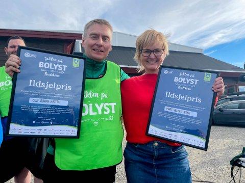 ILDSJELER: Ole Einar Hætta og Marit Helene Eira fikk ildsjelpris under bolystuka i Kautokeino,