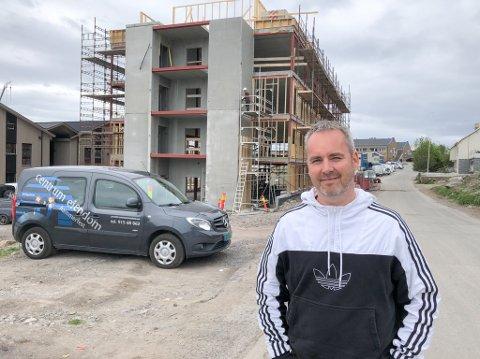 FERDIG I JANUAR: Robert Drotninghaug sier at hotellet skal være ferdig i januar neste år. Foto: Trond Ivar Lunga
