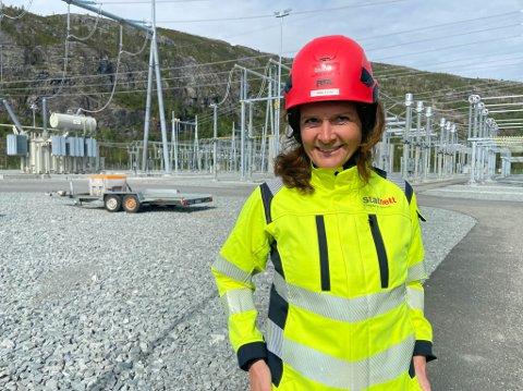 VIKTIG FRAMTIDSGREP: Det mener konsersjef, Hilde Tonne, i Statnett at den nye 420 kV-linja er for Finnmark og resten av landet. Det vil sikre landsdelen en stabil krafttilgang både inn og ut fra region.