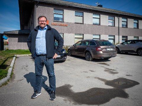 REISER: Det ble bare to år i sjefsstolen i Måsøy kommune for Odd-Børge Pedersen. Nå flytte han hjemover og blir kommunedirektør i Hamarøy