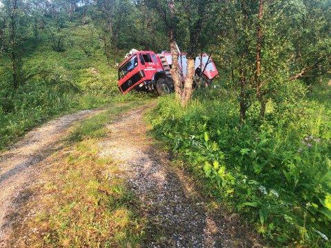 STOPP: Her stoppet ferden for den ene brannbilen på vei til stedet.