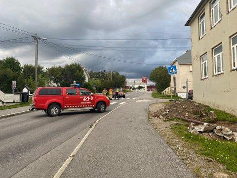PÅ STEDET: To er sendt med helsepersonell som følge av trafikkulykken.