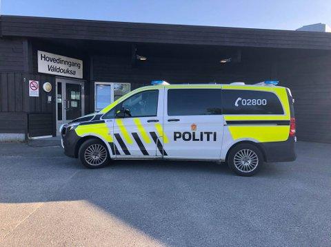 BLODPRØVE: Politiet tok mannen med til Porsanger helsetun for blodprøvetaking.