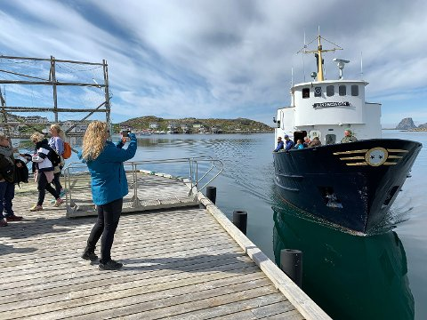 Lundekongen er et staselig skip og i 34 år har Ola Thomassen drevet Bird Safari i Gjesvær.