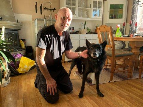 Eier Roy Josefsen og hunden Čáhppe er gjenforent og nå får ikke rømlingen mulighet til å stikke av igjen.