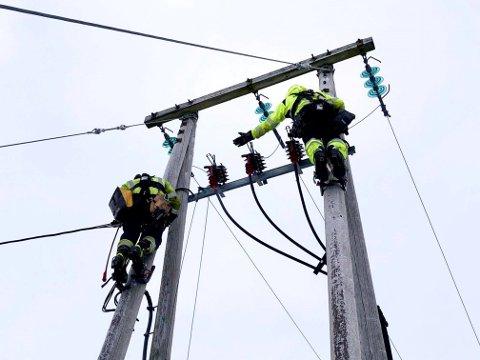 VIKTIG FUNKSJON: Samfunnet er helt avhengig av trygg strømforsyning. Det gjelder både sykehus, institusjoner og de mange som må oppholde seg hjemme i karantene, med hjemmekontor eller med barn.