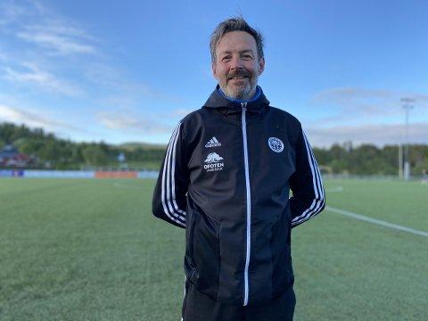 STOR FORSKJELL: Trener Tor Anders Hustad bekrefter at det er stor forskjell på 4.- og 3.divisjon, men laget er godt forberedt.