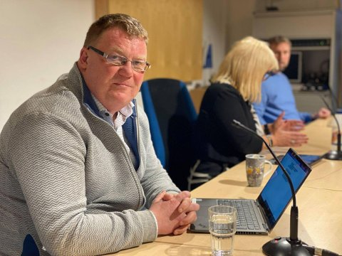 UENIGE: Kommunedirektør Hugo Thode Hansen leder arbeidet med å kutte omtrent 40 millioner i helse- og omsorgsbudsjettet til kommunen. Det skaper uenigheter i kommunestyret.