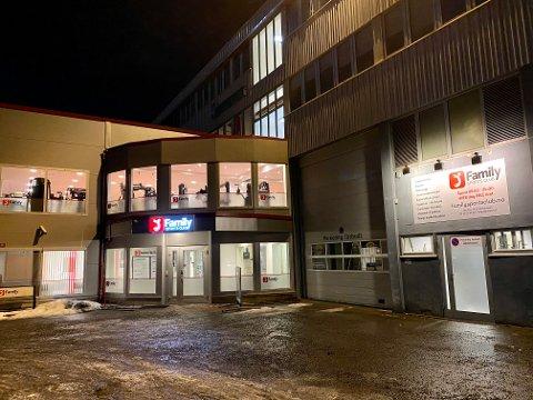 STARTET HER: Det siste store utbruddet, med 43 personer tilknyttet (smittet og nærkontakter smittet i ettertid) per 12. mars, stammer fra Family Sports Club på Seljestad.