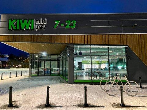 NY DRAKT: Etter at Rødbergveien åpnet igjen har butikken på Åsby/Gangsås vært en av vekstvinnerne i Nord-Norge. Torsdag åpner den splitter nye butikken på nærmeste nabotomt til gammelbutikken.