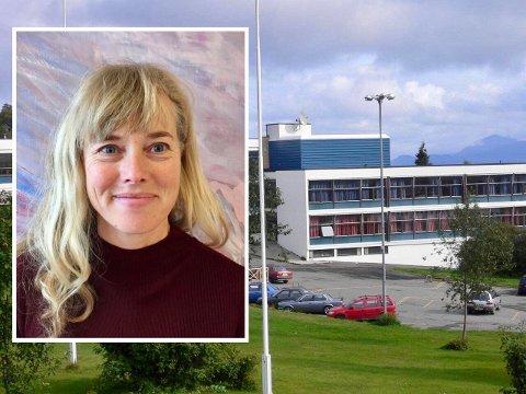 """""""HOLBERGPRISEN I SKOLEN"""": Lektor Gro Reppen ved Heggen VHS var med å hjelpe elevene til seier i forskningskonkurransen i 2018. Nå prøver de igjen."""