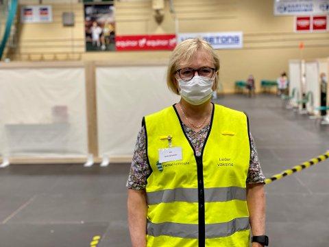 HAR KAPASITET: Neste uke vil Harstad få 1986 doser og det er rundt 500 ledige timer gjennom hele uka, forteller vaksinekoordinator Lise Voktor.