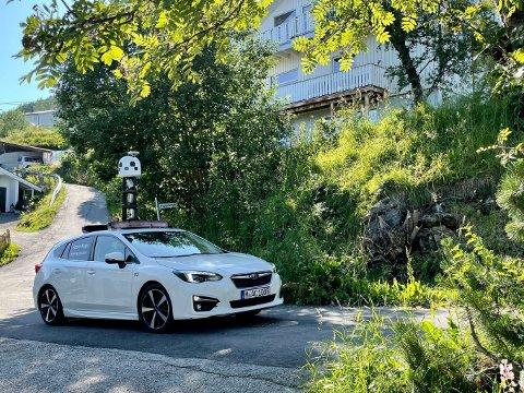 KARTLEGGER: Apple Maps-bilen observert nært Heggen i Harstad onsdag.