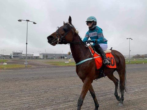 Seieren med Match Queen  i det tredje NM-løpet sikret Ailin Berg-Almaas NM-tittelen. Foto: Privat