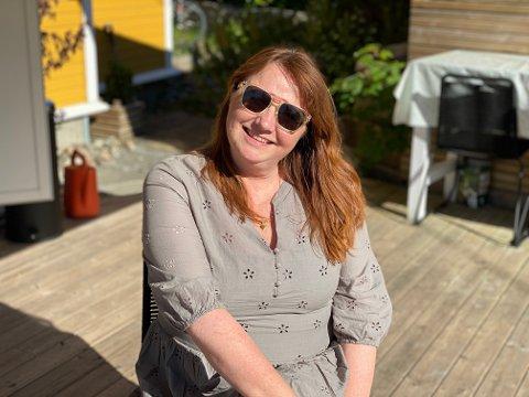 SOMMERKLAR: Grethe Eliassen Friedrich (54) er helt klar for sommeren.  Og først for døren står en stranddag med barnebarna.