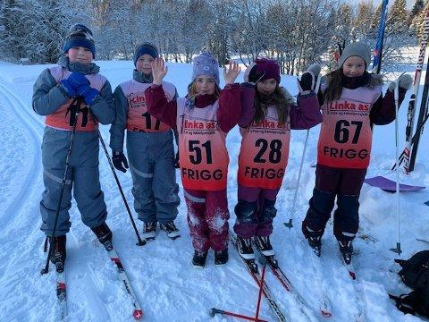 STOR DELTAKELSE: Hele 52 barn deltok på første renn i Friggkarusellen, og disse var blant dem: fra Venstre: Even Andre Norum, Joakim Norum, Stine Norum Haugen, Frida Bjørvik og Ronja Bjørvik