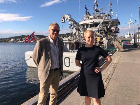 VANNKRAFT: Inderøy-ordfører Ida Stuberg blir den første lederen av organisasjonen Nettverk for kommunale vannkrafteiere. Organisasjonen hadde sitt stiftelsesmøte i Arendal i formiddag. Her sammen styremedlem Arne-Christian Mohn (ordfører i Haugesund for Ap)