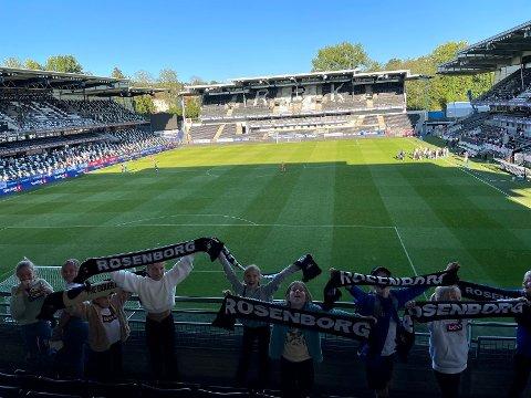 Inderøys fotballjenter på Lerkendal under kampen Rosenborg Damer- Barcelona