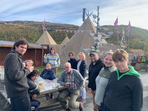 DEMONSTANTER: Gjengen fra Sund er klar for demonstrasjoner i Repparfjorden