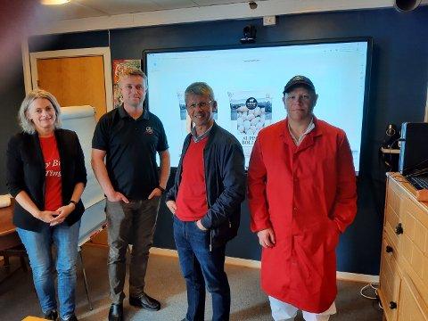 BEDRIFTSBESØK: Arbeiderpartiet besøkte Inderøy slakteri onsdag. F.v. May Britt Lagesen, Håvard Gausen, Terje Sørvik og tillitsvalgt Espen Sundby.