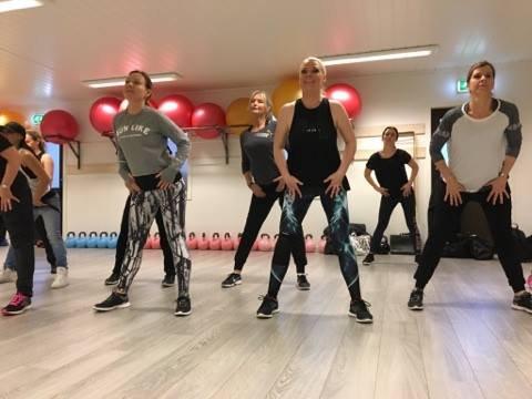 ØVDE PÅ BJØRKELANGEN: Mdonnaz hadde ei treningsøkt hos Avancia på Bjørkelangen under oppkjøringen til Norske Talenter. Foto: Privat