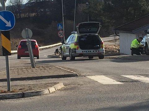 Påkjørt: En fotgjenger ble påkjørt og lettere skadet på Sørumsand torsdag morgen.