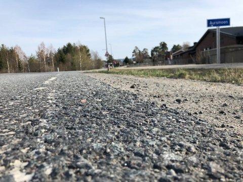 FORBEDRER VEIENE: Over 12 kilometer ny asfalt skal legges i Aurskog-Høland til sommeren.