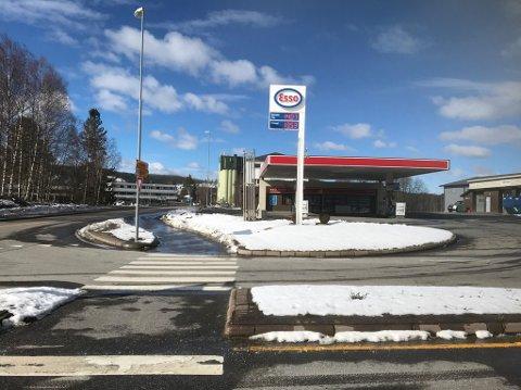 NYTT SPISESTED: Fastfood-kjeden Jafs etablerer seg i de tidligere Esso-lokalene på Bjørkelangen.