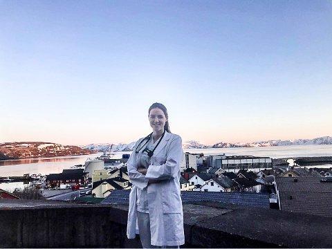 TURNUS I NORD: Pia Sønsthagen arbeider som turnuslege i Hammerfest og gleder seg til en tur hjemover til Høland ei ukes tid.